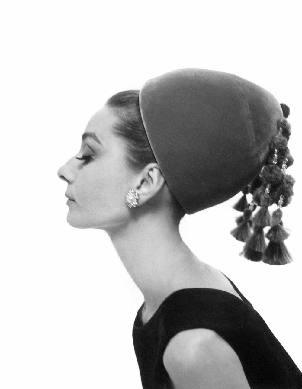 Breeziway's Soaring Hearts: More Vintage Inspiration ... |Hat Fashion Photography